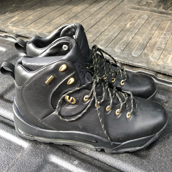 50d10483dca NEW Nike Air Max ACG Boots NWT